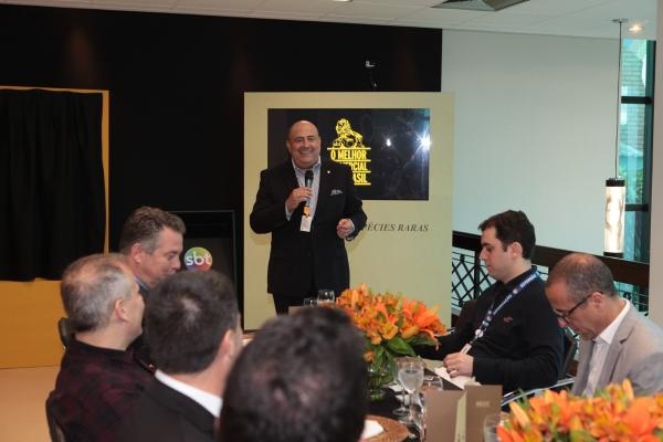 Glen Valente discursa aos convidados - Foto Leonardo Nones (20)menor