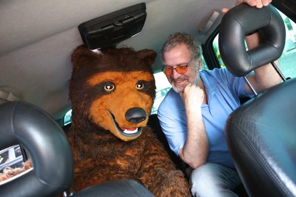 marcelo-carneiro-e-urso_uber